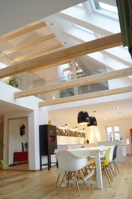 Blick zur galerie: esszimmer von cactus architekten #farmhousediningroom