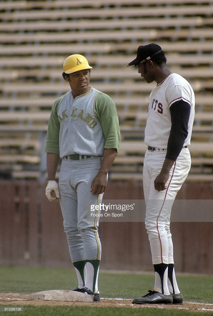 Photo of PHOENIX, AZ – CIRCA 1960's: First baseman Willie McCovey of the San…