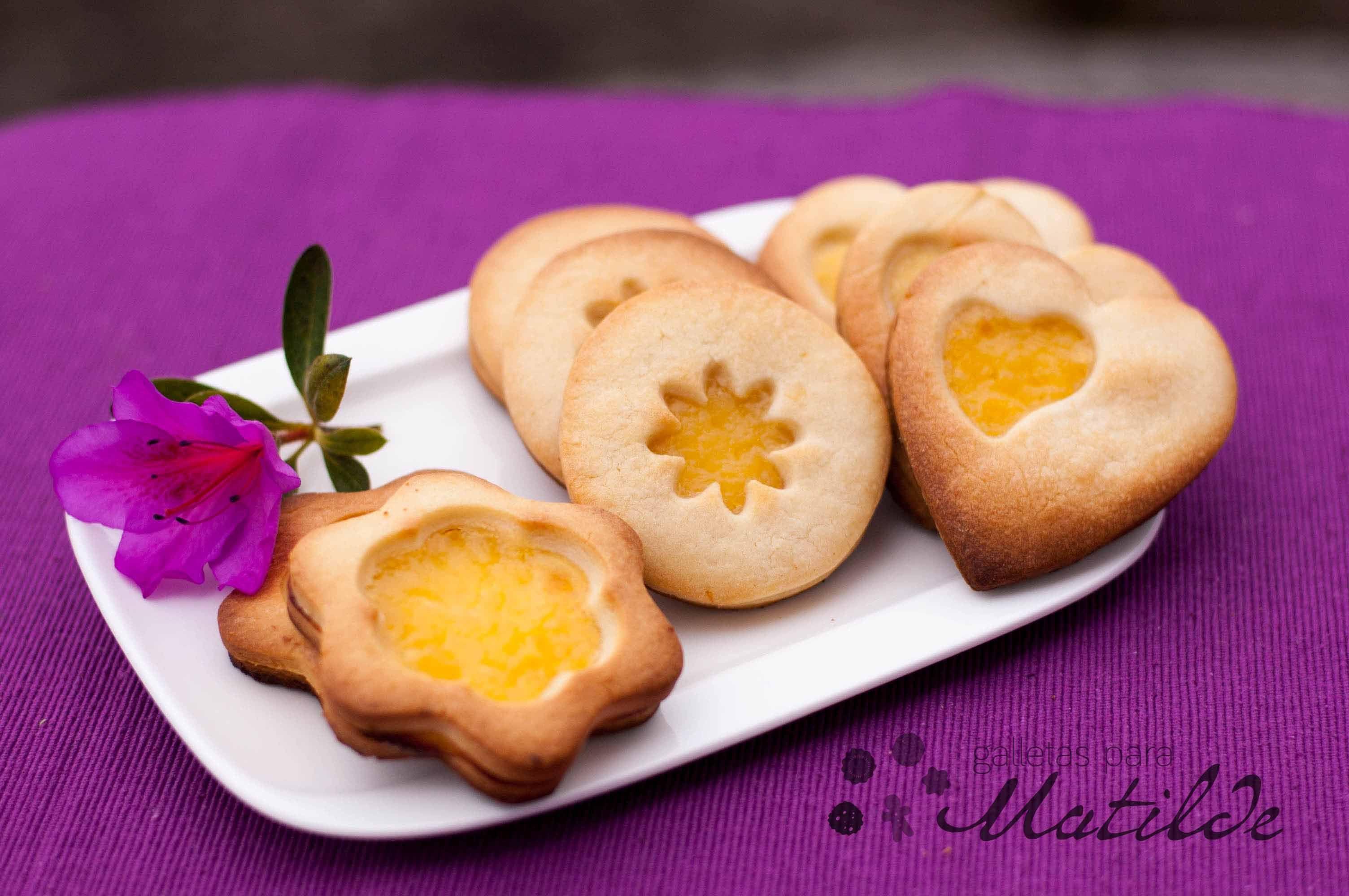 Galletas de limón con lemon curd tostado...