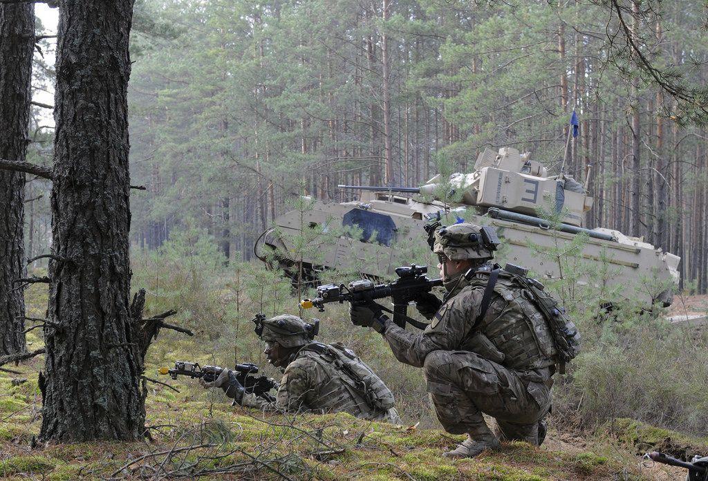 [초스압] 미 국방부가 찍은 다양한 미군과 타국군 사진들 - 유용원의 군사세계