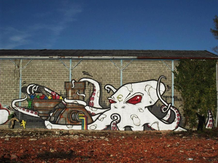 Tomc and Slick in Bordeaux, France. More pics at http://globalstreetart.com/tomc.