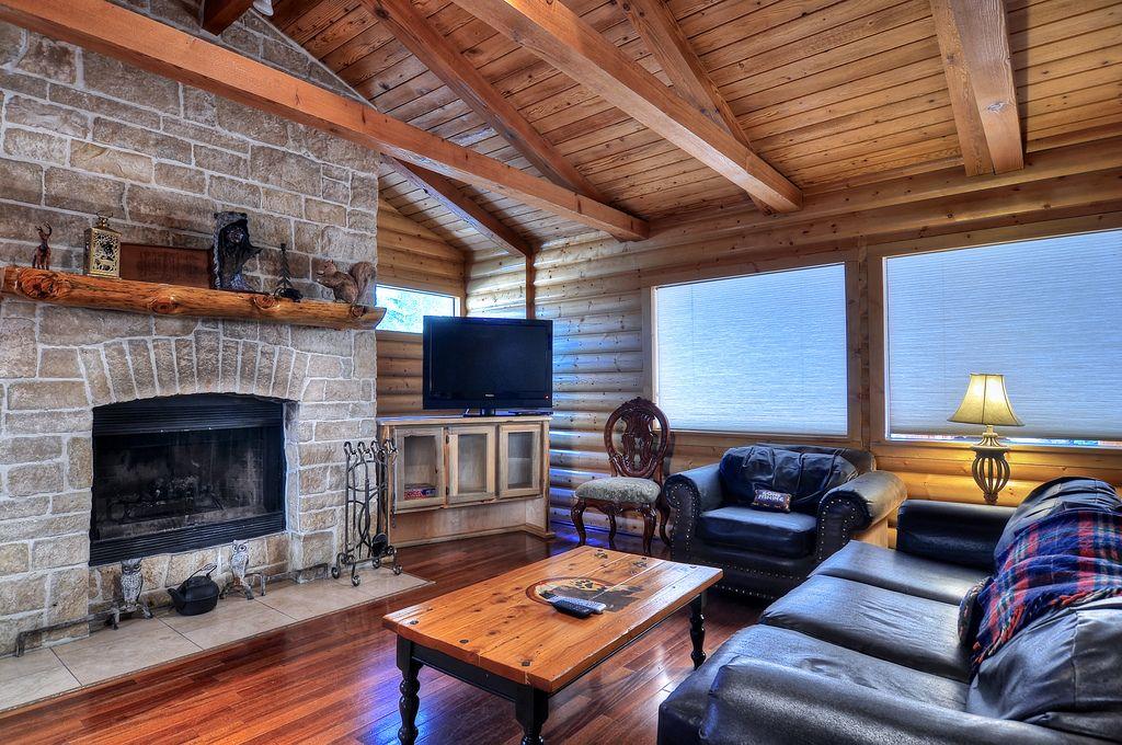 Big Bear Cabin Rental: WALK TO BEAR MOUNTAIN RESORT! #1 on