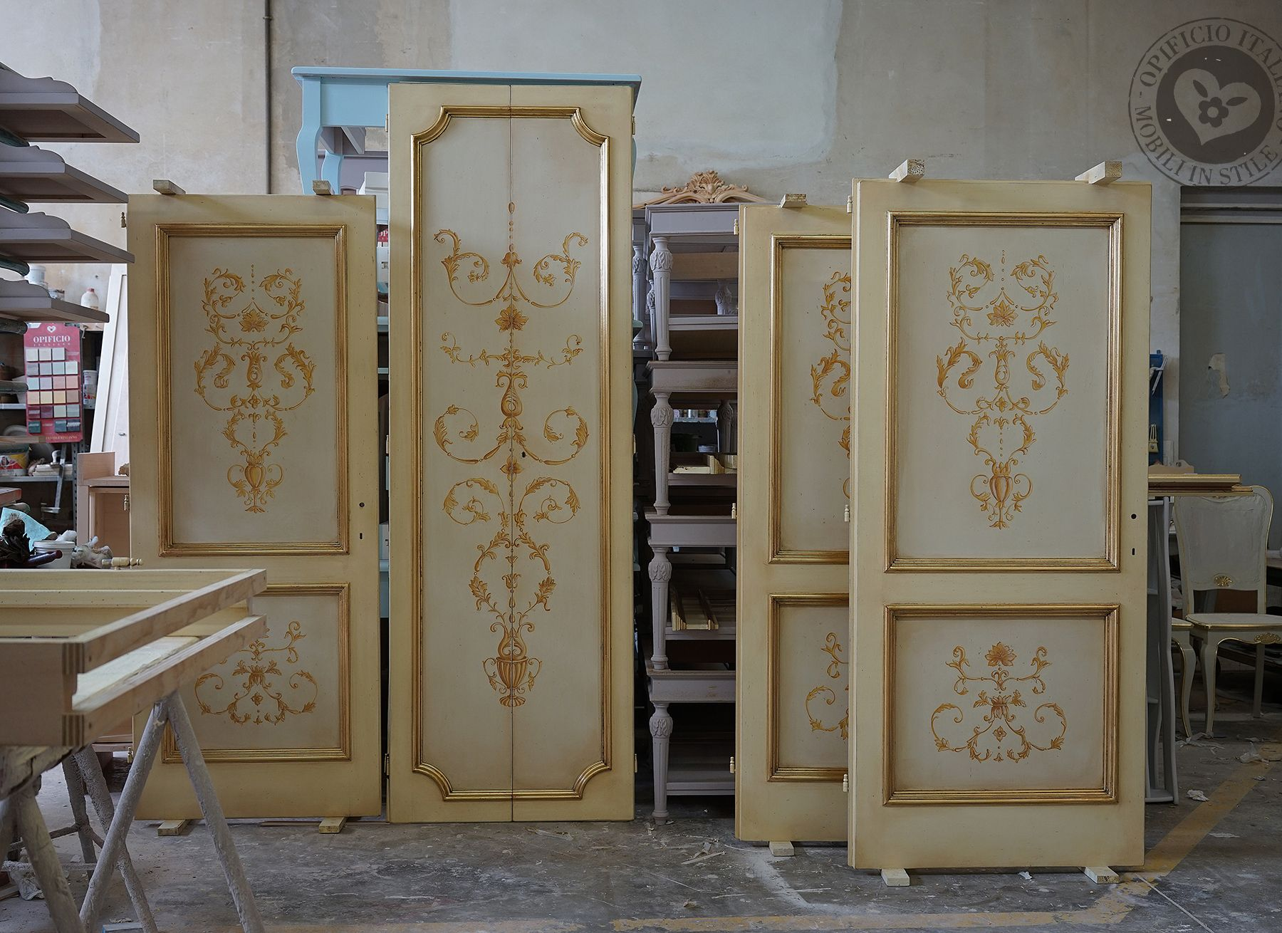 Porte decorate in legno massello laccate e decorate a mano ...