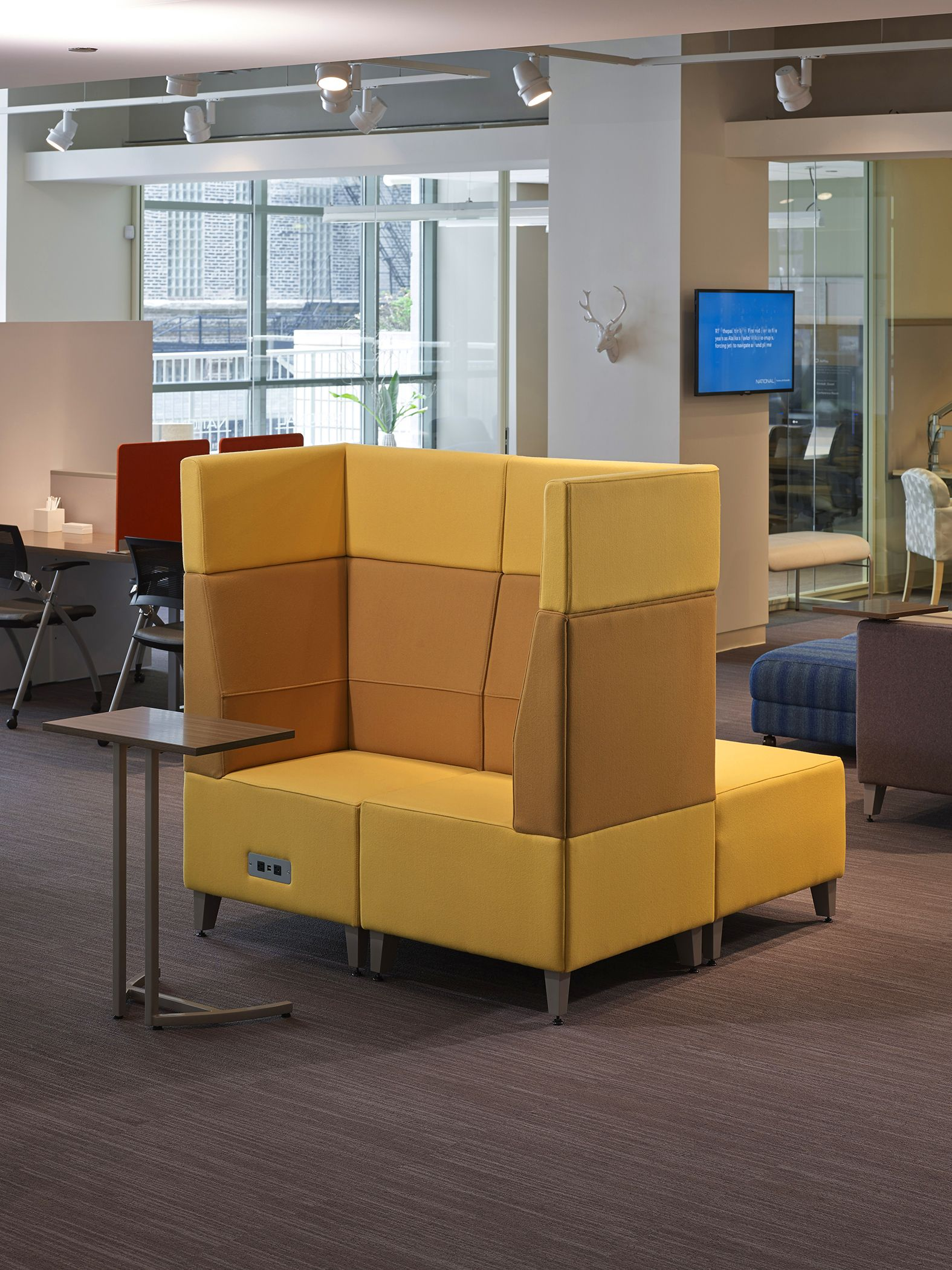 Swift Lounge With Staccato Occasional Tables Fringe Club Chairs - Office furniture lincoln ne
