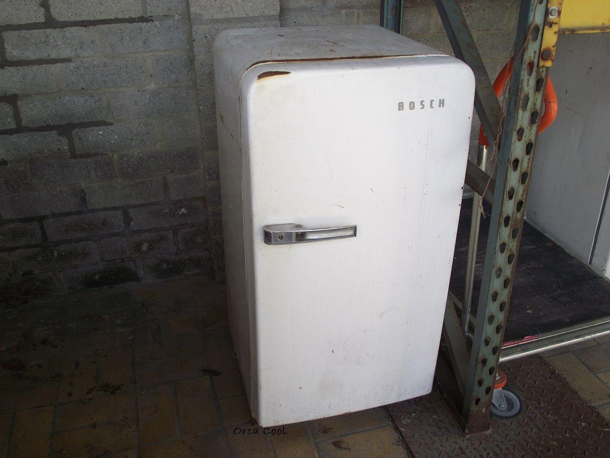 Bosch Retro Koelkast : Bosch vintage koelkast. te koop bij interesse mail naar info