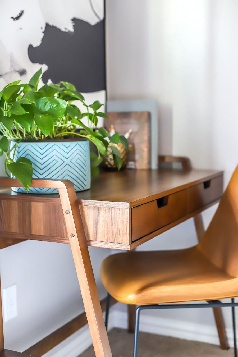 Modern Mid Century Home Office Desk And Chair Guest Bedroom Makeover Mid Century Modern Office Home Office Desks