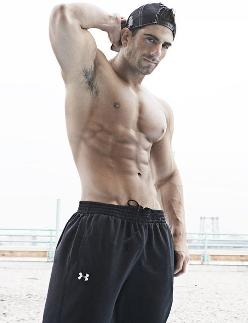 Why is my Pinterest feed filled w/half naked men? Oh yeah, becuz I like them :-)