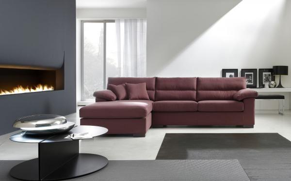 Ampia gamma di divani moderni, angolari e su misura proposti in ...