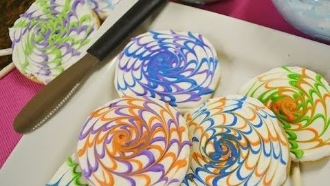 Decorating Sugar Cookies - Spin Art Cookies   Radacutlery.Com -- Watch Rada Cutlery create this delicious recipe at http://myrecipepicks.com/26784/RadaCutlery/decorating-sugar-cookies-spin-art-cookies-radacutlery-com/