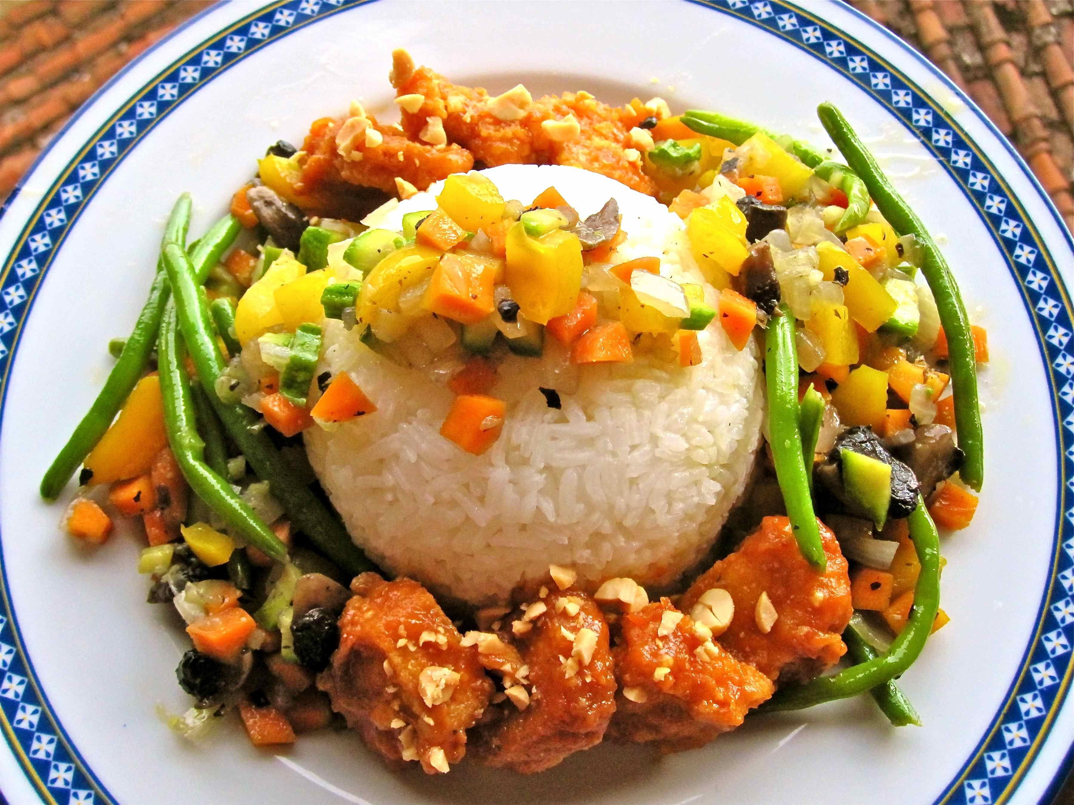 Cultural craving thai food food peanut sauce