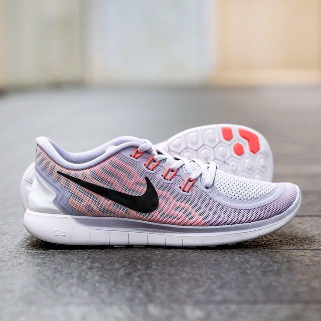 new arrival 3ddf1 2453a Nike wmns Free Run 5.0  Titanium Black Fuchsia Flash Crimson