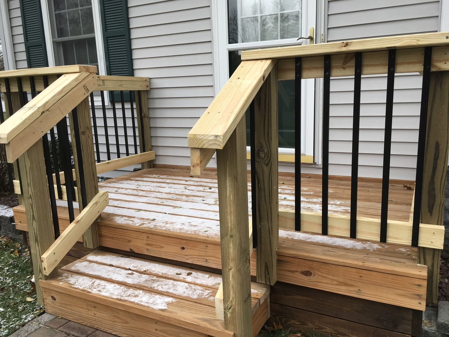 Best Deckorators Traditional Face Mount Balusters Attach To The 640 x 480