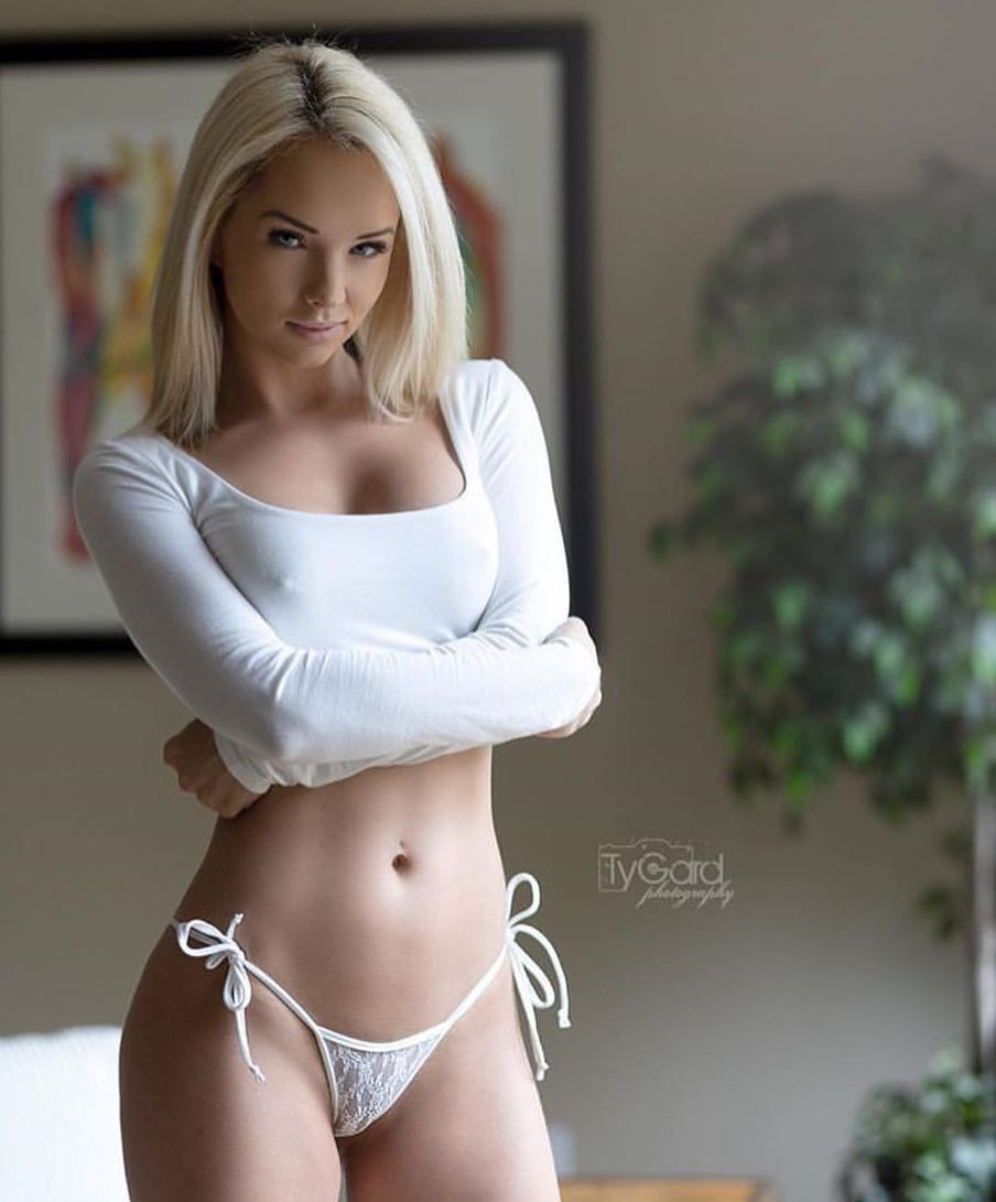 Supercar Blondie Reckons She S Found The Most Beautiful: Such A Perfect Body! @sophiedalzellreal_ #angel #beautiful