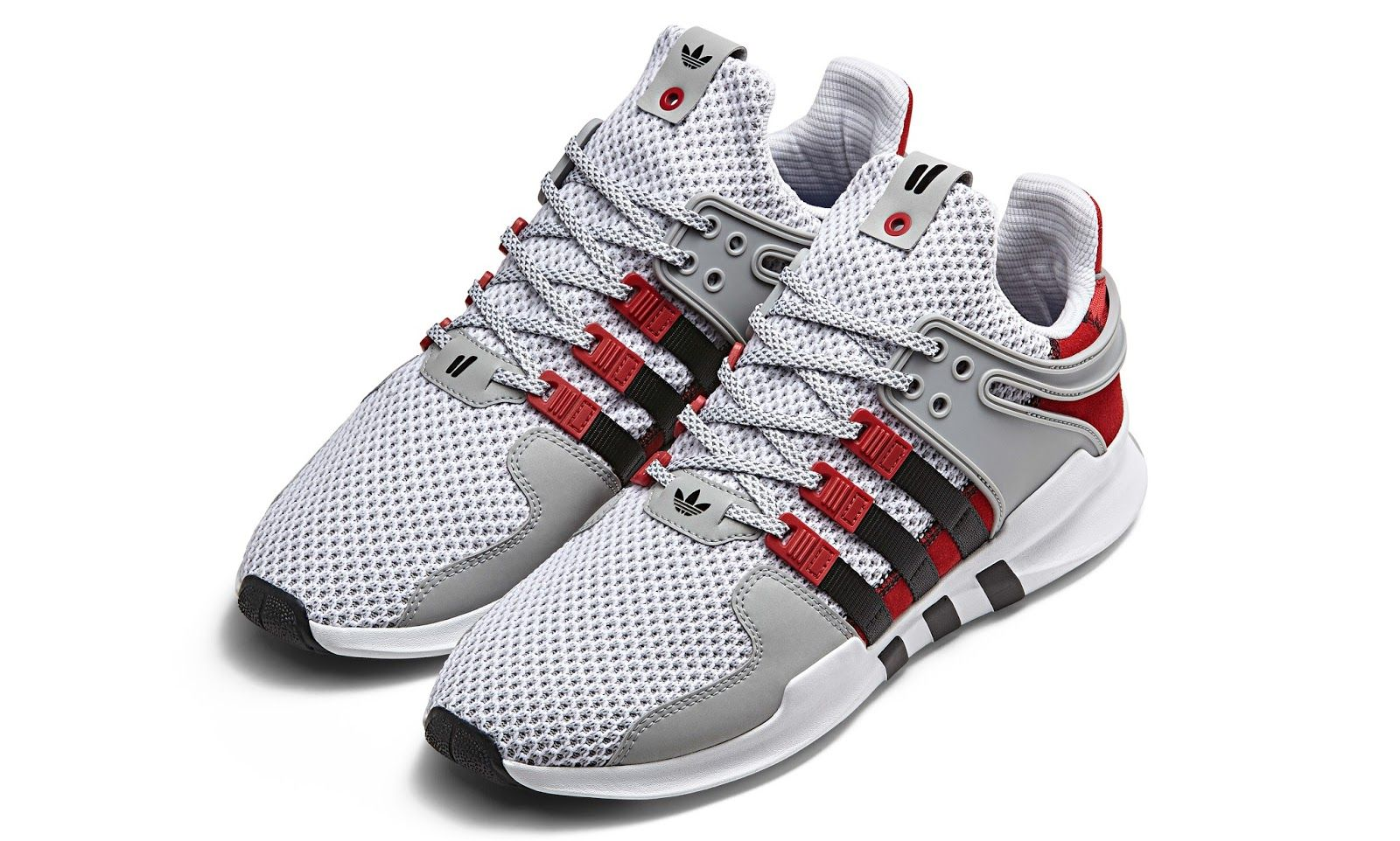 Coming as a two-sneaker collection 8a08ebc3c2