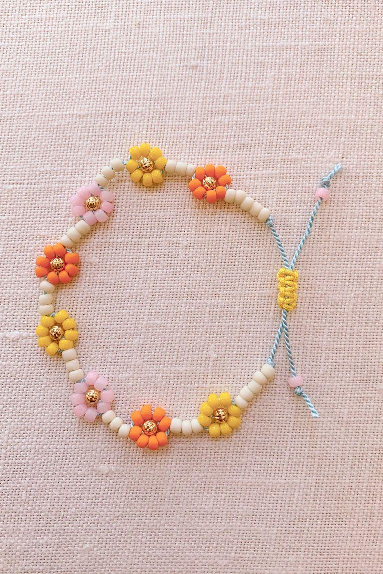 DIY Beaded Daisy Chain Bracelet – Honestly WTF