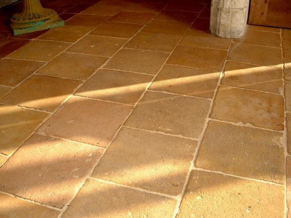 Carrelage ancien en terre-cuite 21x21cm Tomette ancienne