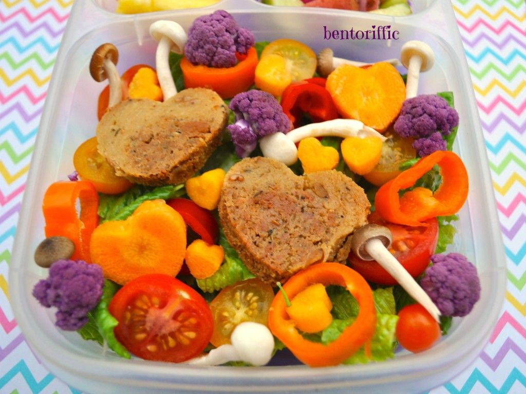 A hearty salad and pockets made with love