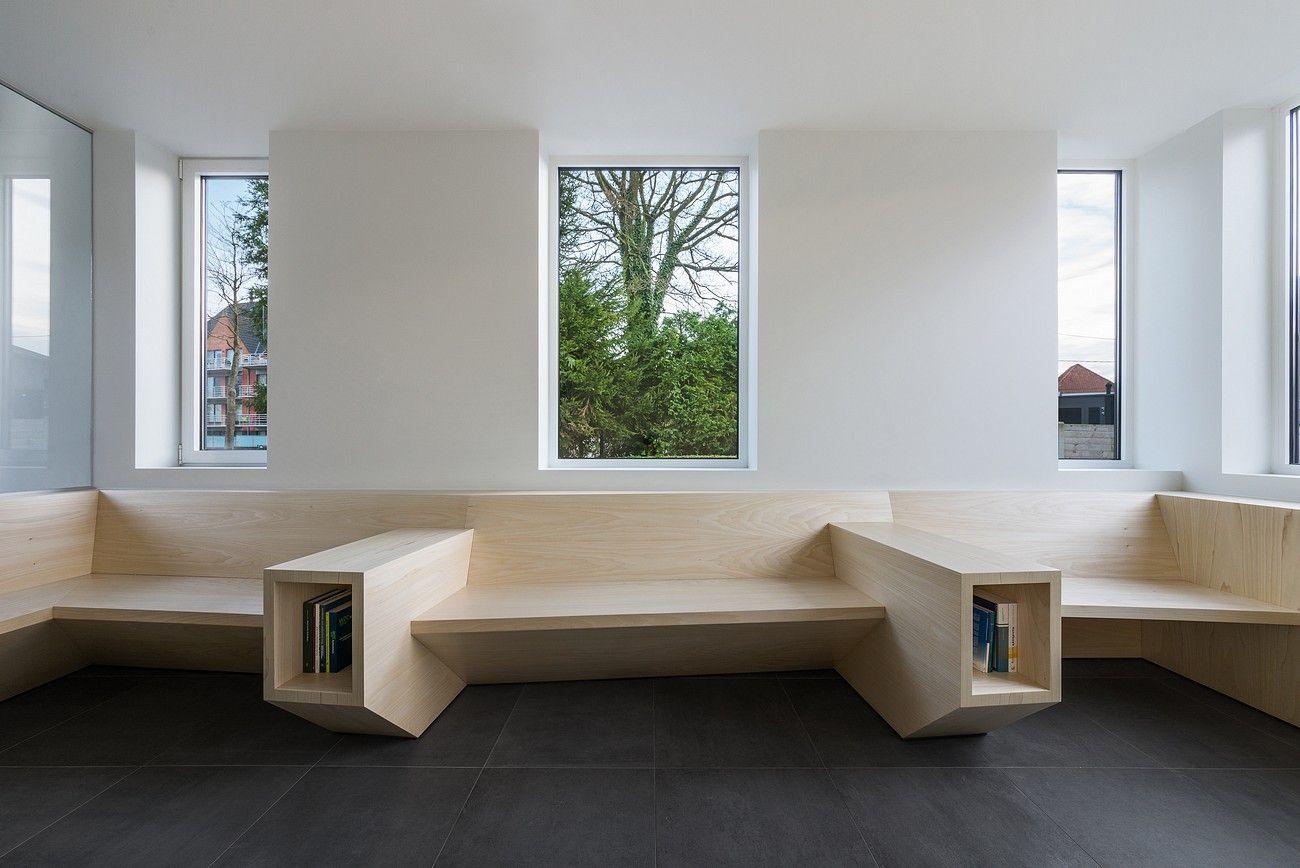Cabinet Medical De Schuyter Par Joshua Florquin Journal Du Design Salle D Attente Architecte Interieur Architecture D Interieur