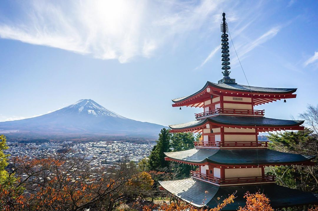 Mt.Fuji view from the famous photospot at Chureito pagoda...  Mt.Fuji view from the famous photospot at Chureito pagoda  .  #fujisan #japan #chureitopagoda