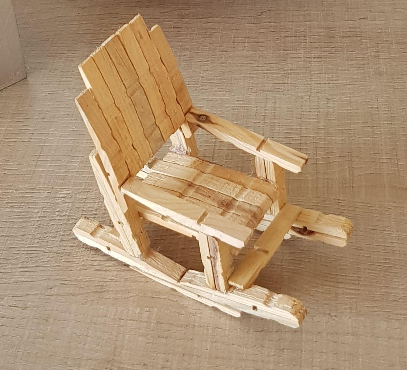 Rocking Chair Pour Poupees Barbie Avec Des Pinces A Linge Pince A Linge Rocking Chair Poupees Barbie
