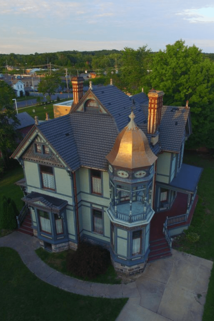 1885 queen anne for sale in hastings michigan houses house rh pinterest com