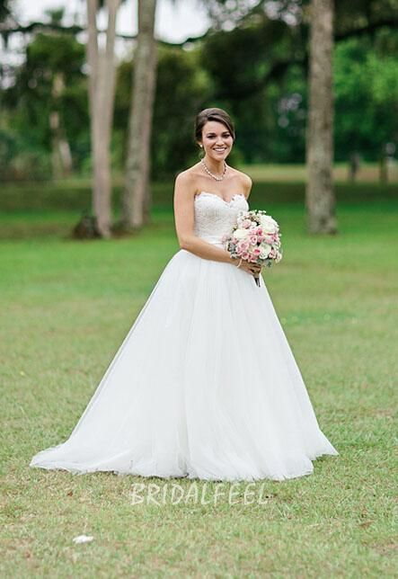 Princess ivory fall wedding dress. Strapless lace bodice offers sweetheart neckline, puffy tulle skirt has sweep train,v back.  #http://www.bridalfeel.com/strapless-sweetheart-neck-ivory-puffy-tulle-ball-gown-wedding-dress-486.html#  Coupon code: LoveFeel. 10% discount on any order. Expiry date: UNLIMITED