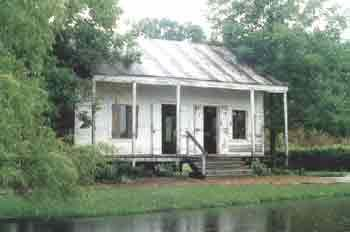 Billeaud House Early Acadian Style Small Buildings House Styles Old Houses