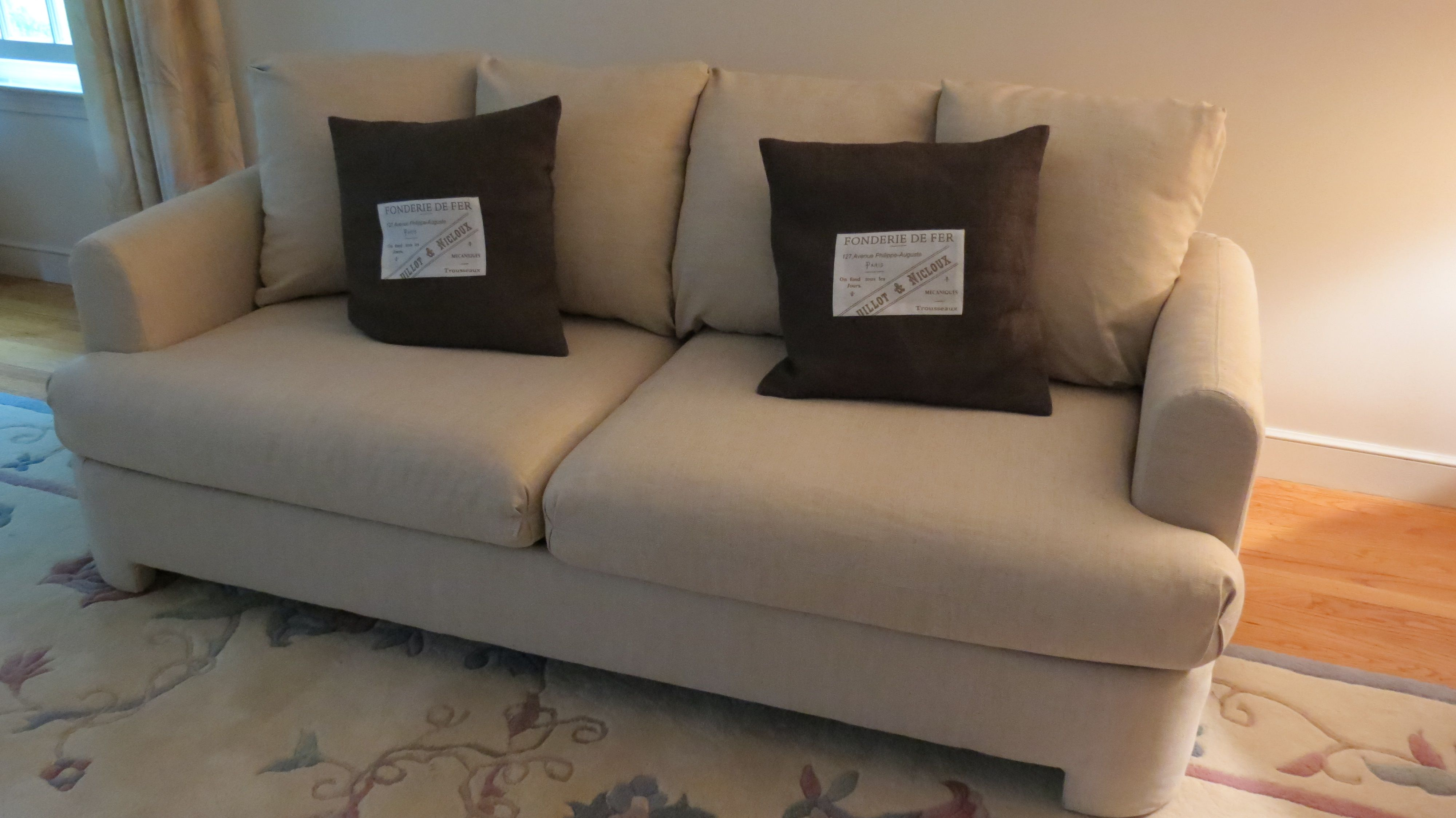 Reupholster Couch Cushions Cost   Buying The Right Couch May Be An Effort  That Is Trying Than Many Give It Credit For.