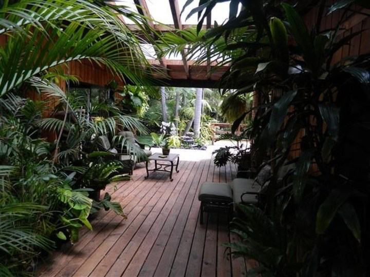 50 Awesome Tropical Garden Landscaping Ideas #tropischelandschaftsgestaltung