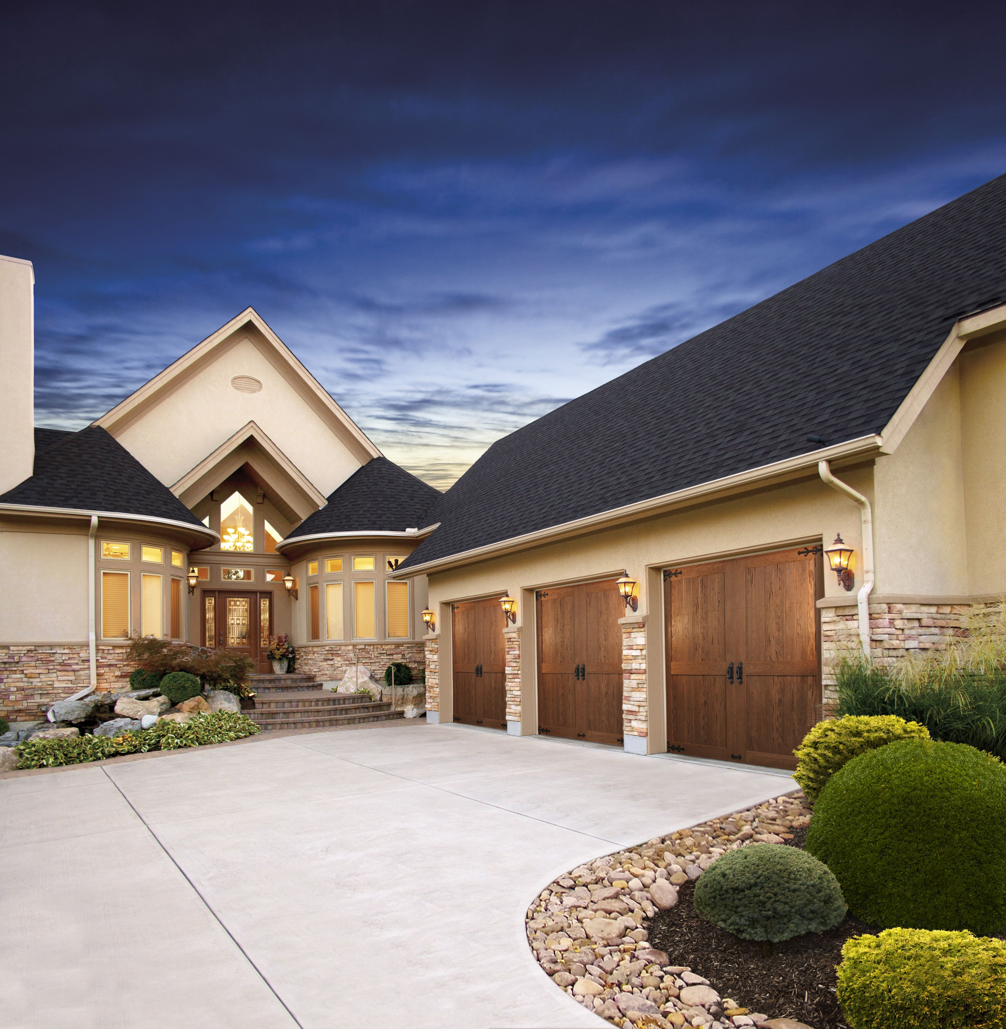 This Is The Canyon Ridge Line Of Clopay Doors Give Us A Call Between March 1 2013 And May 31 2013 To Find Out About O Dream House Architecture House Styles