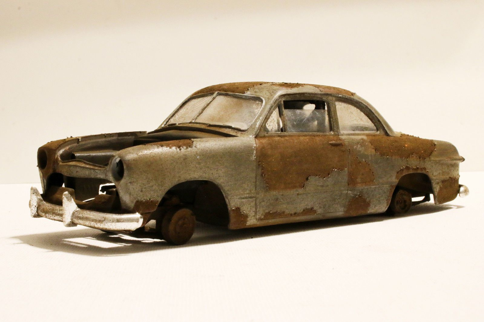 AMT 49 Ford Coupe Junkyard Rusty Weathered Barn Find 1 25