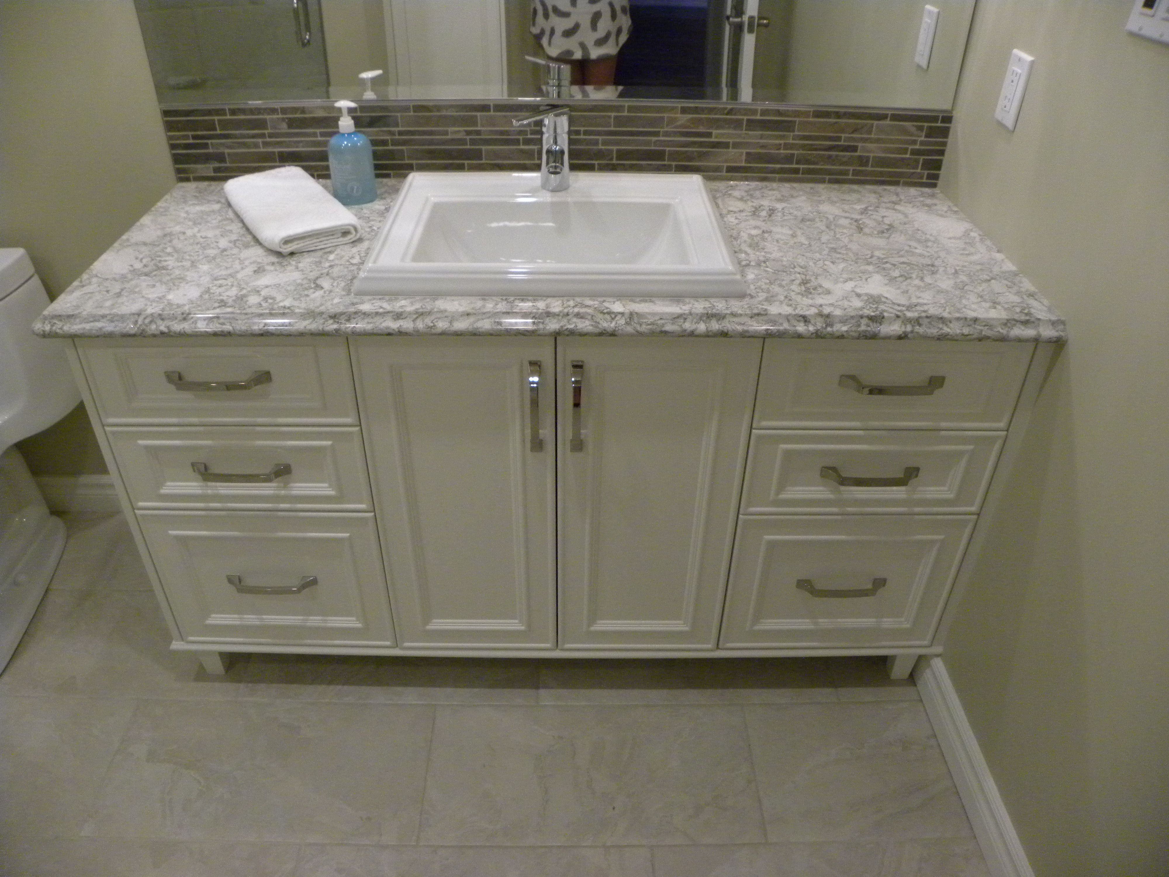 Image Result For Berwyn Quartz Kitchens Berwyn Grey