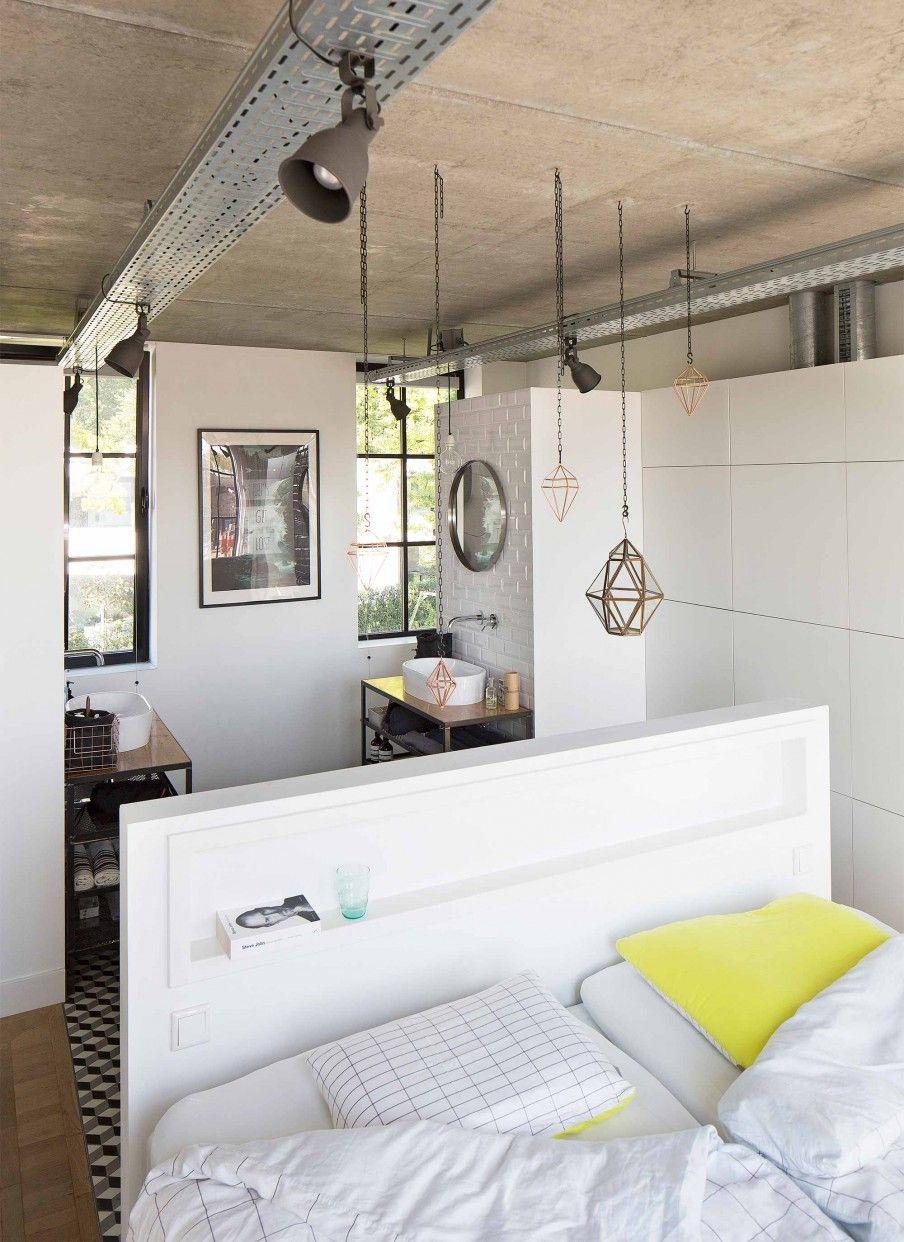 Slaapkamer én badkamer in een   Bedroom and bathroom in one ...