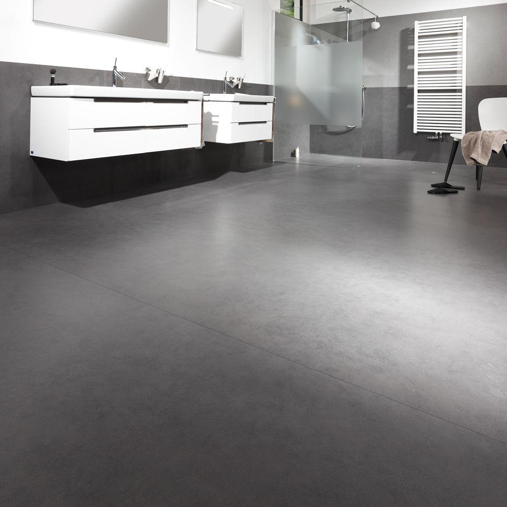 Nahezu fugenloser Bodenbelag von CERAMAX für Dusche und Bad. Betonoptik mit Plattenformaten von 100 x 300 cm. Hygienisch und pflegeleicht. CERAFLOOR, Design VISION 05.10.