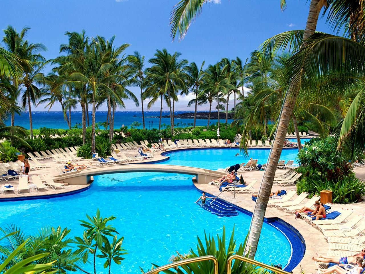 Top 8 family vacations in america travelchannel hawaii road trips publicscrutiny Image collections