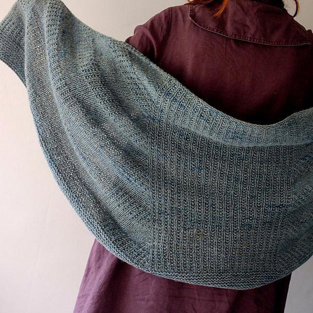 Fichu scarf bleu Knitting pattern. Find this FREE pattern at LoveKnitting.Com!