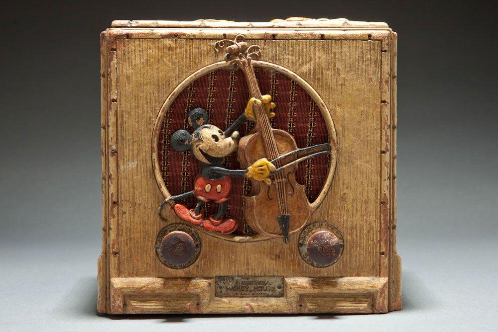 Emerson Model 411 Mickey Mouse Rare Original Disney Painted Version Radios Decophobia 20th Century Design Vintage Radio Retro Radios Old Radios