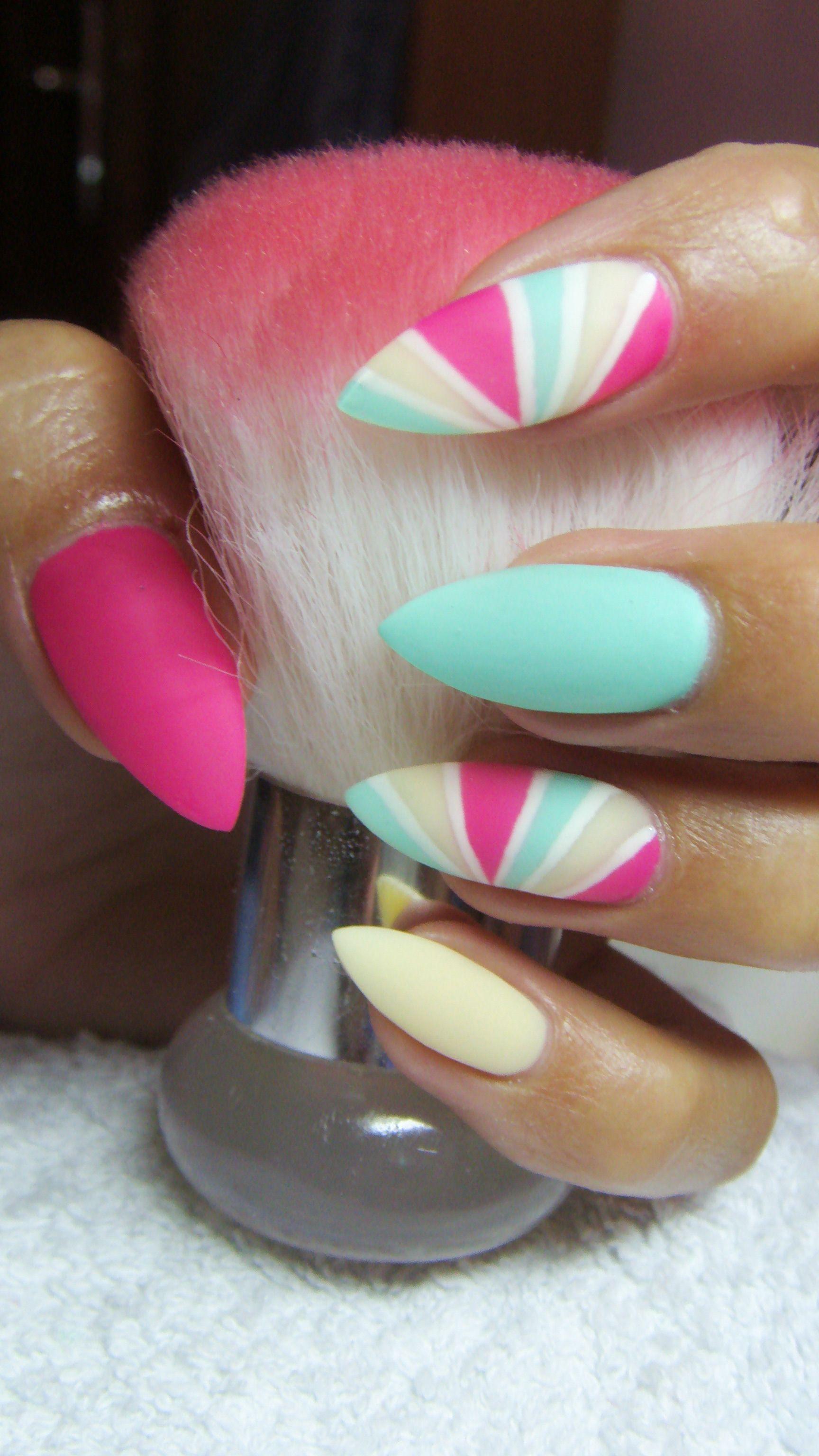 Pastel matte stiletto nails | unas | Pinterest | Diseños de uñas ...