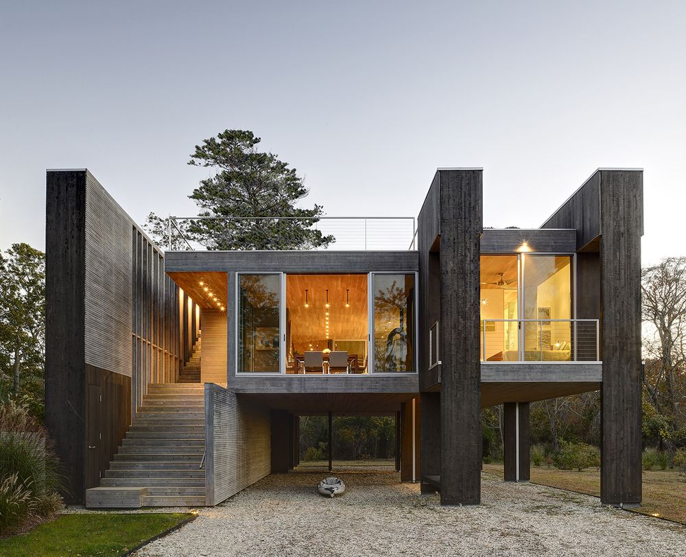 Standing on stilts northwest harbor house by bates masi for Casa moderna hampton hickory