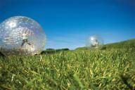 Zorb Ball conocida como Zorbing o Hydro Zorb (hamster ball) es elaborada con materiales de Excelente calidad, diseñada especialmente para el uso comercial en la tierra o en el agua. Es usada principalmente para rodar por una pendiente o bajada o puede usarse en el agua o con agua dentro de ella misma.   Zorb Nucleares, Zorb para agua, bola hamster, bola gigante, producidas por AquaOrb y enviamos a todas partes del mundo. Ingres a http://www.aqua-orb.com o a http://www.esferasacuaticas.net