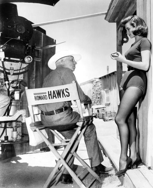 Howard Hawks and Angie Dickinson on the set of Rio Bravo (Hawks, 1959)