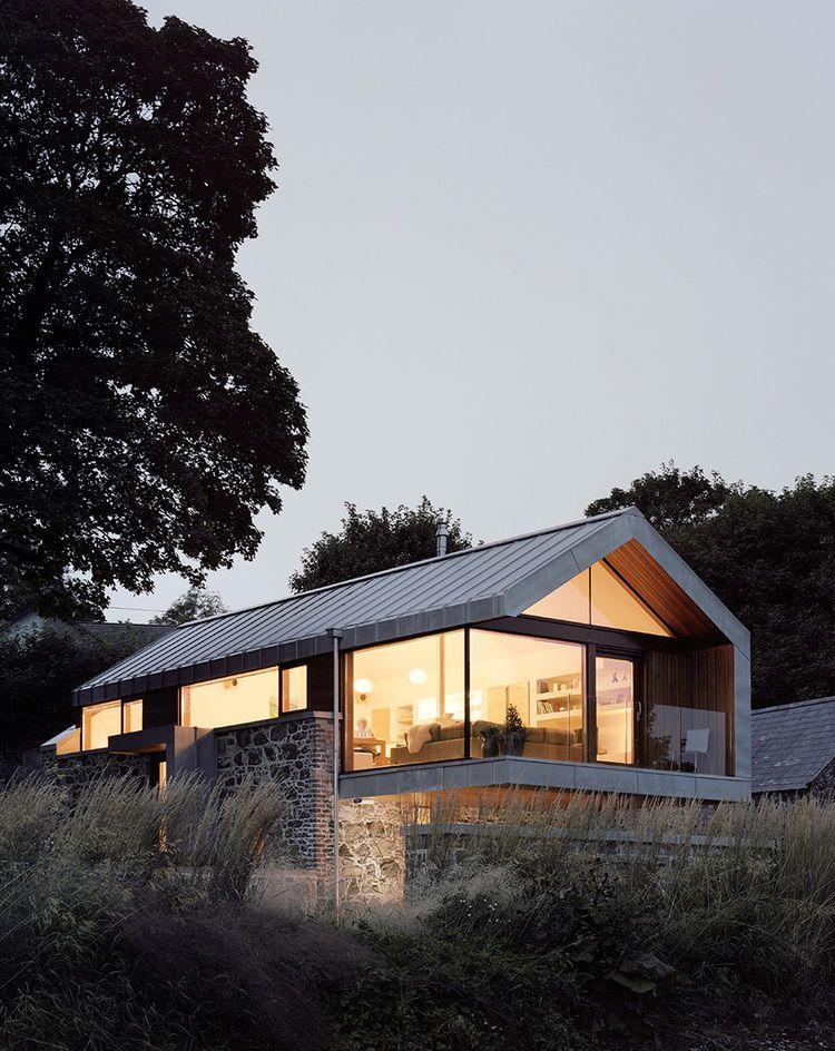 Luxuriöses Einfamilienhaus mit großen Fronten