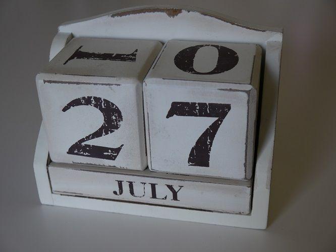 Wedding date block calendarding tableware and decorations wedding date block calendarding tableware and decorations available to hire in kent uk junglespirit Gallery