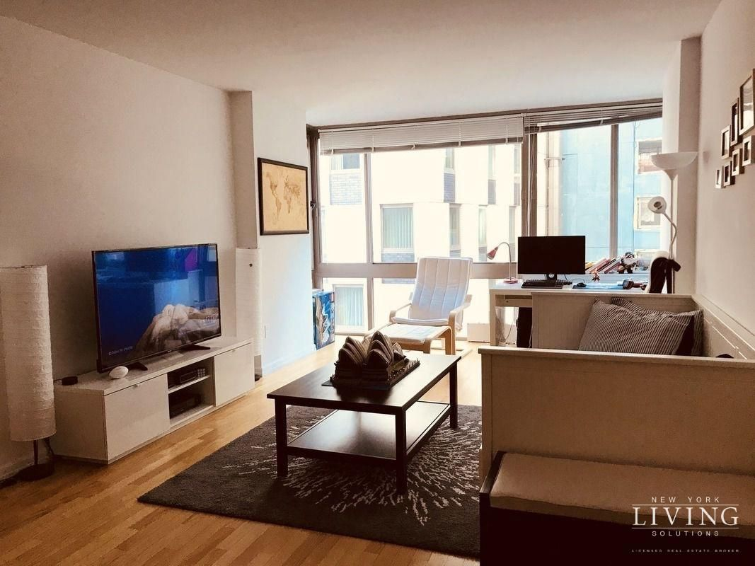 1 Bedroom 1 Bathroom Apartment For Sale In Financial District Apartment For Rent Nyc 1 Bedroom Apartment Bedroom Apartment