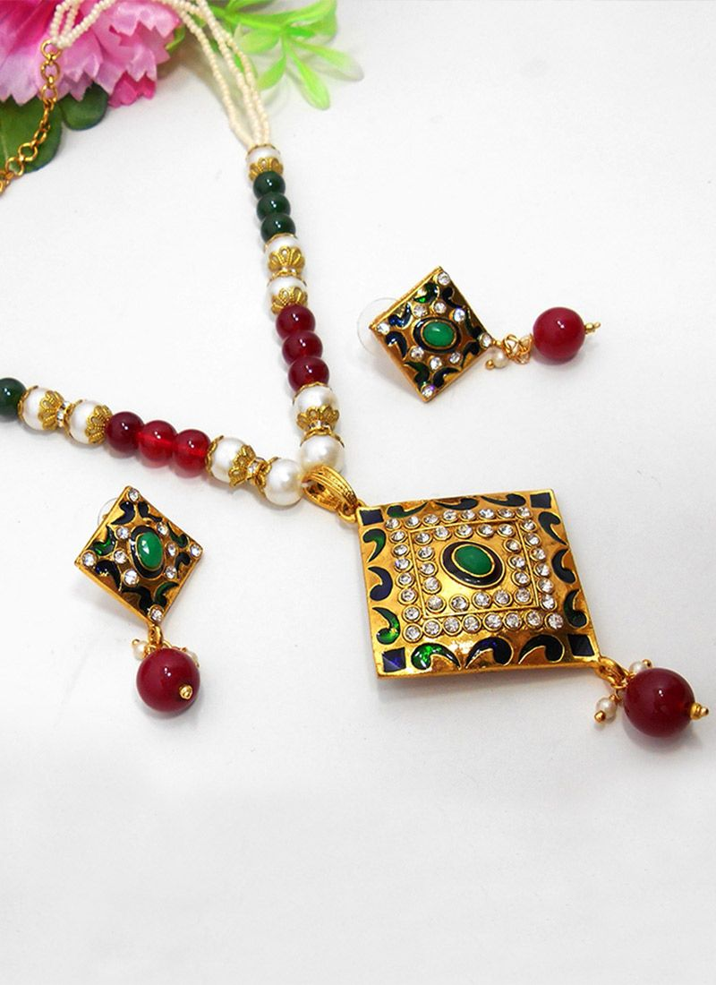Fabulous green n gold meenakari necklace set украшения pinterest