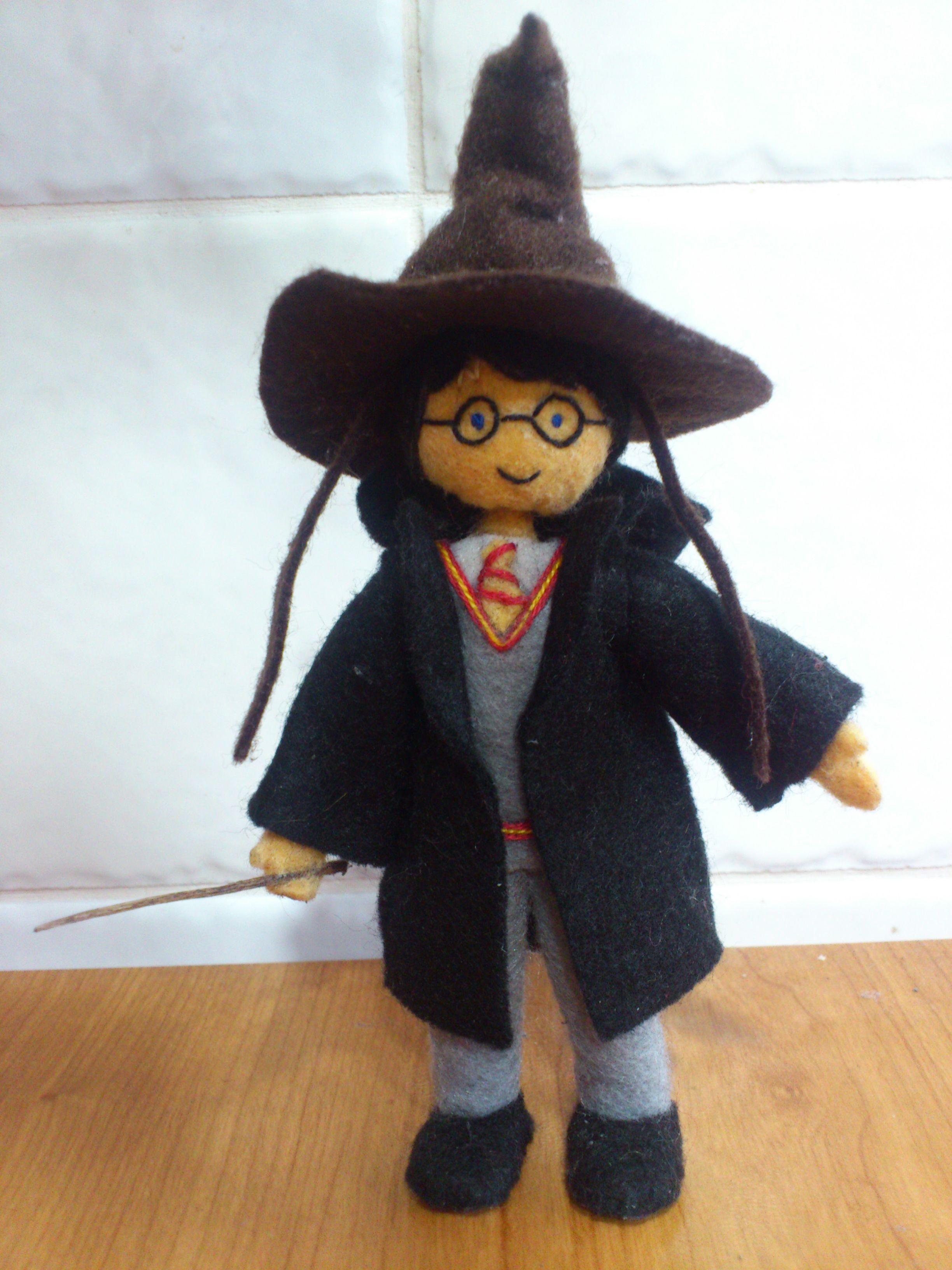 Harry Potter y el sombrero seleccionador en fieltro   Manualidades ...