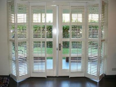 shutters voor schuifpui keuken pinterest terrassent r fensterl den und fenster. Black Bedroom Furniture Sets. Home Design Ideas