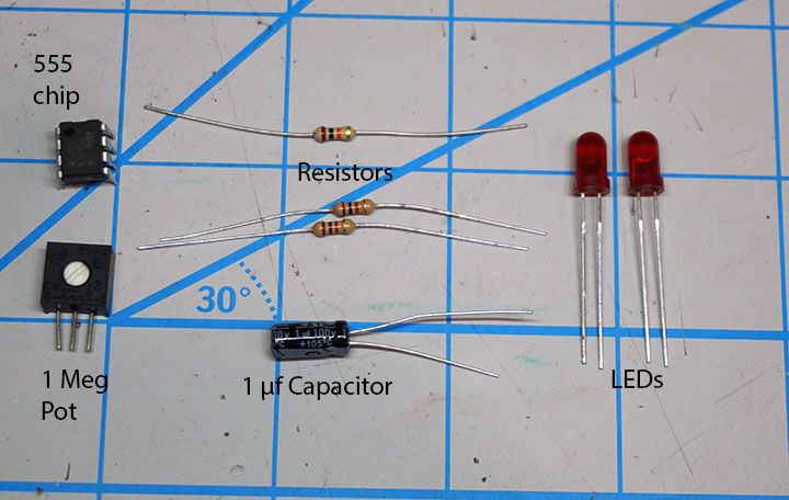 Build a crossing signal circuit | Model Railroad Hobbyist