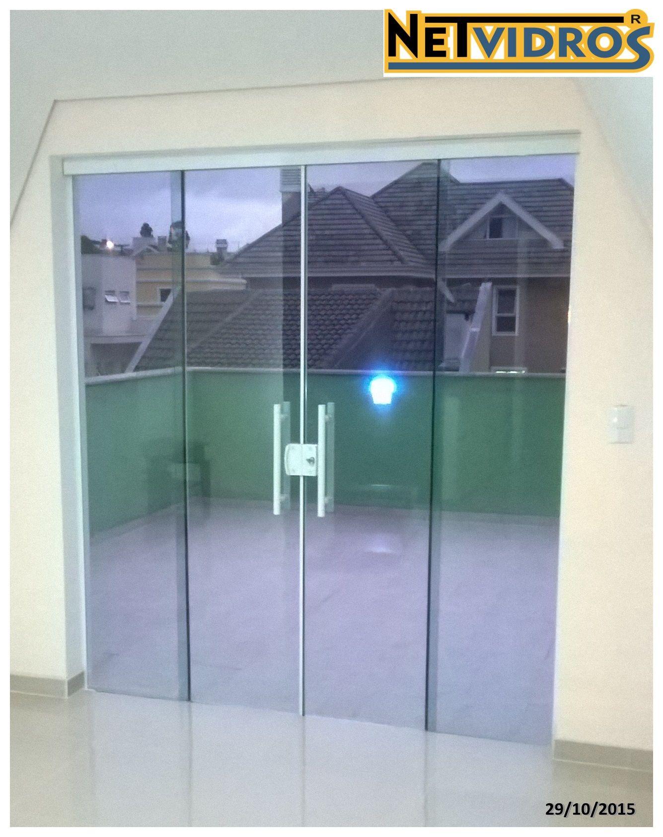 Porta 4 Folhas Em Vidro Cristal Temperado Verde Com Puxador Modelo H E Perfil Em Alumínio Branco Porta De Vidro Portas De Entrada De Vidro Puxadores De Porta