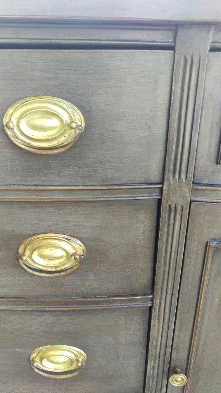 Two Coats Annie Sloan French Linen With Graphite Wash Light Wax And Dark Wax Annie Sloan Painted Furniture Painted Furniture Colors Annie Sloan French Linen